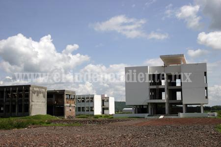 UMSNH no tiene dinero para abrir carreras en Zamora