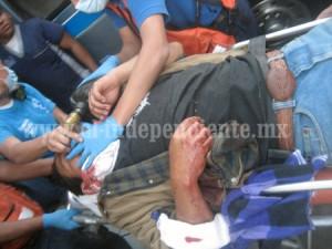 0702ZAMORA lo machetean, queda herido