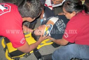 ZAMORA3 Dos lesionados en encontronazo de moto y carro (3)