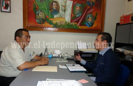 Toño Salas atiende a gestiones en Miércoles Ciudadano