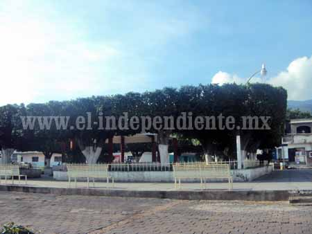 Se dicen engañados comuneros de Totolán por cabildo jiquilpense