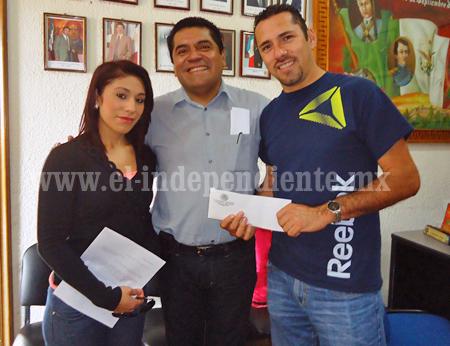 Equipo femenil de volibol recibió apoyo del ayuntamiento reyense