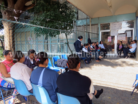 Trabajadores de la Jurisdicción alargan su paro a los 9 centros de salud