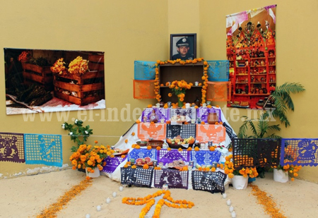Arrancan con éxito festividades de Día de Muertos