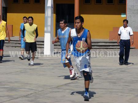 Cardiaco final de baloncesto entre Piratas y Bachilleres Jr.