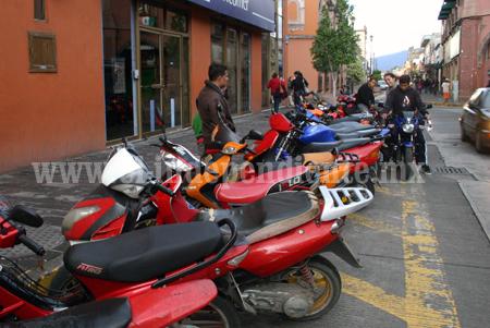 70 por ciento de 15 mil motociclistas no tiene regularizada su unidad vehicular