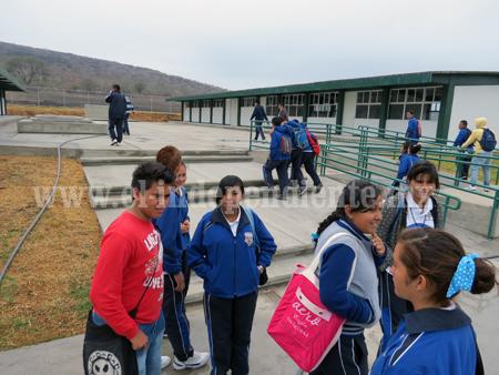 Buena expectativa en el personal de CBTA Ario de Rayón dejó gobernador
