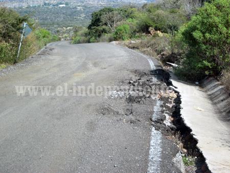 Persiste daño en carretera del Güirio