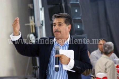 Herramienta poderosa la Educación, sostuvo Salvador Romero, diputado federal