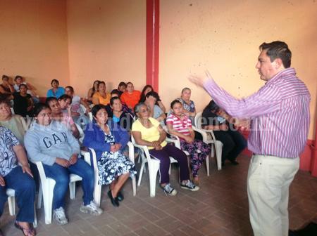 Fundación Toño Salas imparte taller de salud