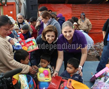 Niños de 60 colonias y comunidades de Zamora recibieron juguetes