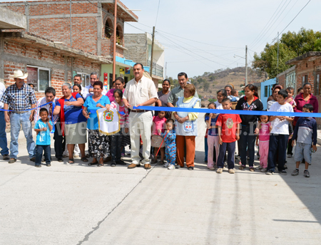 Inauguran pavimentación con inversión de más de 1mdp en Jacona