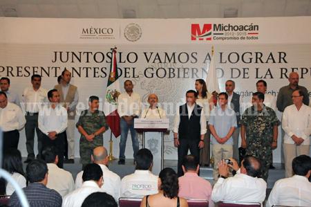 PRESENTAN MIGUEL ÁNGEL OSORIO Y FAUSTO VALLEJO A ENLACES DEL GOBIERNO FEDERAL EN MICHOACÁN