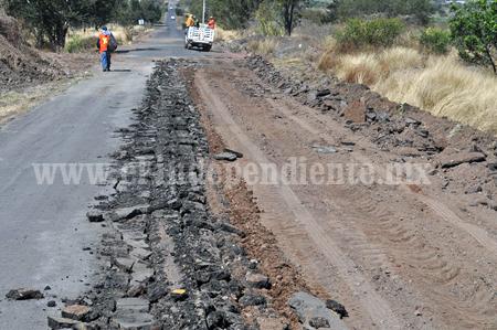 Por fin habrá pavimento asfaltico en el camino al Colecio