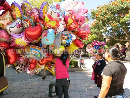 Comerciantes auguran pocas ventas en Día de San Valentín