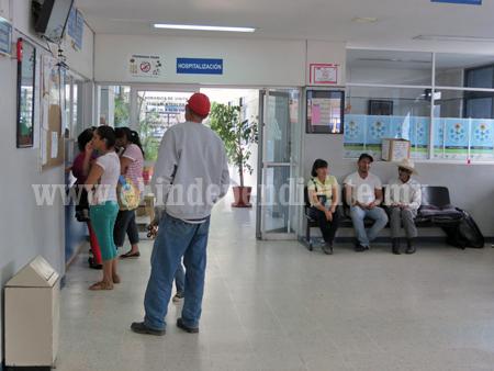 Amenaza sindicato Lázaro Cárdenas con manifestarse en el Hospital Regional