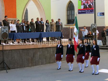 Conmemoran el Día de La Bandera los jaconenses