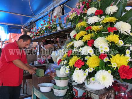 Precio de flores ya subieron al doble por el Día del Amor y la Amistad
