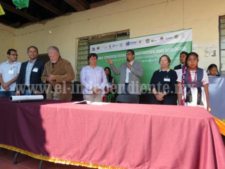 """Inauguran el Primer Congreso de Sustentabilidad Ecológica """"En contacto con la tierra"""""""