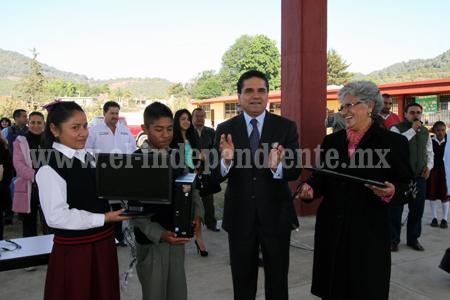 Trabaja Silvano proyecto de impulso a la educación ante la federación
