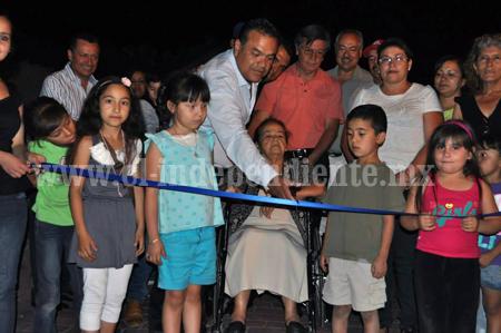 Inauguran puente Las Tijeras y calle Madero en Ecuandureo