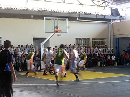 Arrancó el Torneo Estatal de Basquetbol Sub-21 de la ADEMEBA