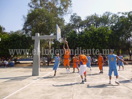 Reanudan juegos de baloncesto la Liga Zamorana de Basquetbol