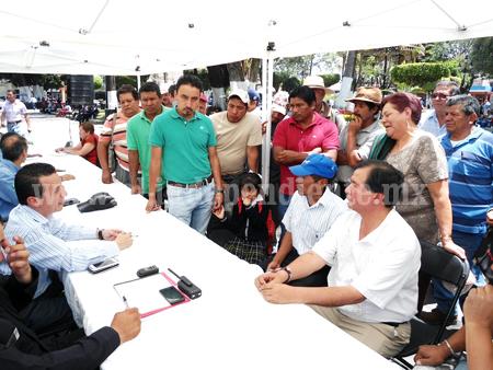 En Miércoles Ciudadano resuelven abasto de agua para Sicuicho