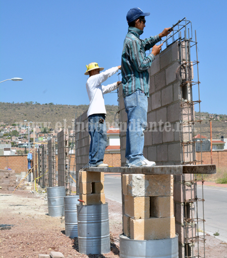 Inician trabajos de construcción de barda perimetral en el recinto ferial