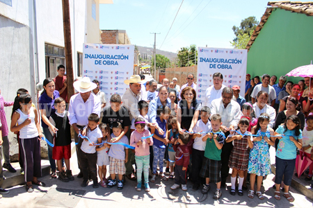Inauguran obras por más de 2.5 mdp en La Rinconada y La Sauceda