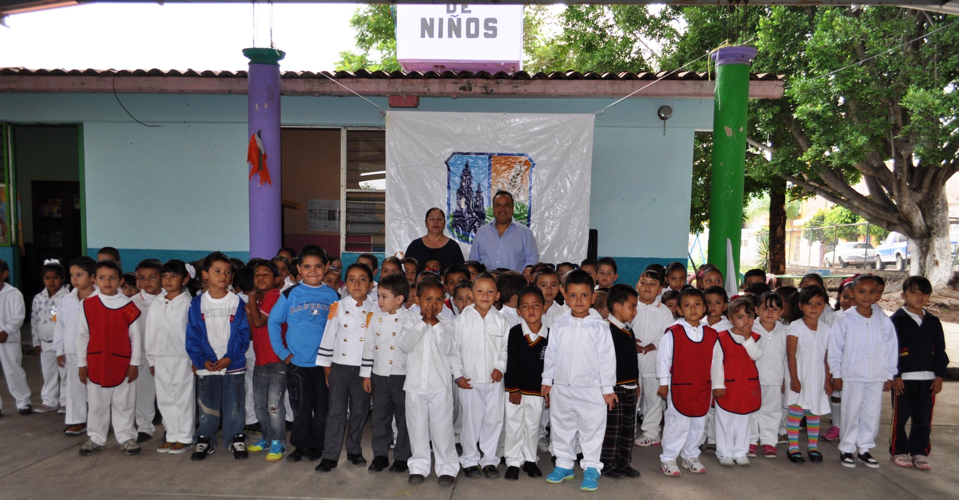 entregaron juegos infantiles en el jardn de nios ignacio chvez en ecuandureo