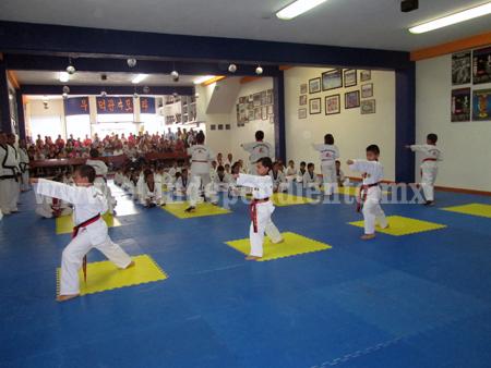 235º examen de Kups en Moodukkwan Zamora.