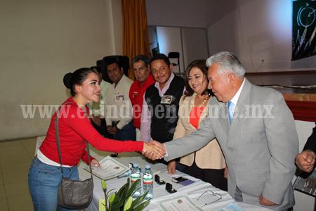 Reconoce gobierno municipal de Venustiano Carranza labor docente