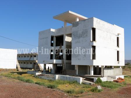 Renuncia del gobernador desalienta más la construcción del campus universitario en Zamora