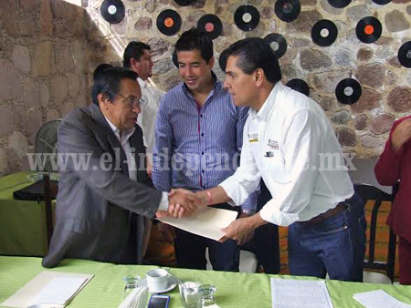 Demandó Silvano apoyo para empresarios
