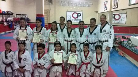 Examen de promoción de organización P'urhepecha de taekwondo.