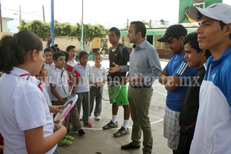 """Programa """"El Tenis va a tu Escuela"""" ahora en la escuela Leona Vicario"""