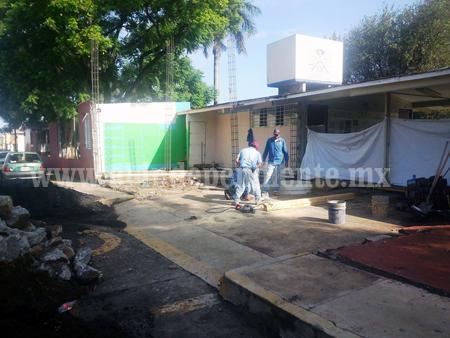 Remodelan fachada del COBACH Los Reyes