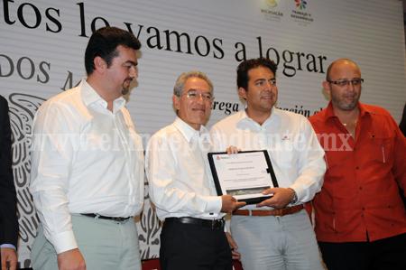 Michoacán puede ser líder en el uso de nuevas energías y hay voluntad política para hacerlo: SJG