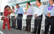 Entrega Liconsa tarjetas alimentarias a familias sahuayenses