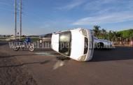 Un herido deja como saldo choque de un auto contra una camioneta
