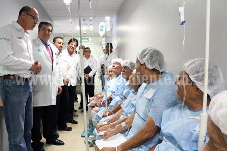 """""""Más de mil michoacanos resuelven su problema de ortopedia y ojos"""": IMSS"""