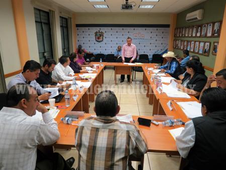 Regidor de Jacona pide mejorar orden administrativo en departamento de compras