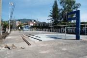 Colocan techo en cancha de la colonia Independencia en Los Reyes