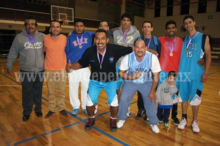 Basquetbol Libre y Veteranos recibieron premiación Olímpica