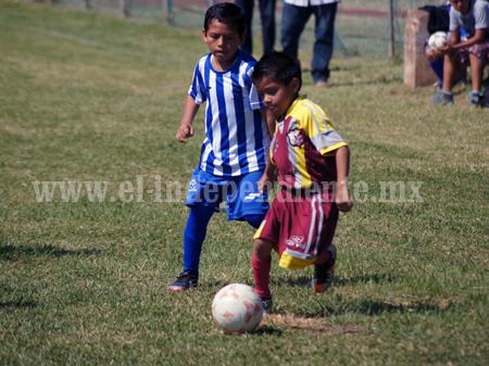Escuela Chilchota goleó al deportivo Zamora en la categoría mini pony