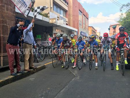 Dieron el banderazo de salida a la Vuelta Ciclista Purépecha