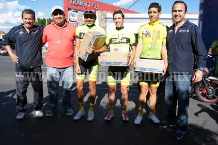 Entregaron los suéteres amarillos a ciclistas en la Olimpiada Municipal