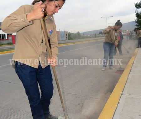 Trabajo de mujeres en Aseo Público supera expectativas