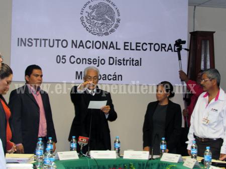 Instalan Consejo distrital 05 del INE en miras al proceso electoral federal 2014-2015
